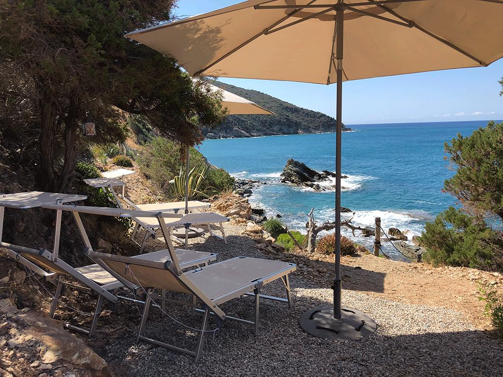 """Affitto vacanza """"Villa Pecadillo"""" località Cannelle, accesso diretto al mare, piscina Monte Argentario"""