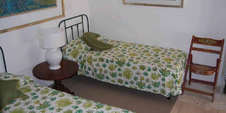 26. Annex bedroom 5 twin beds