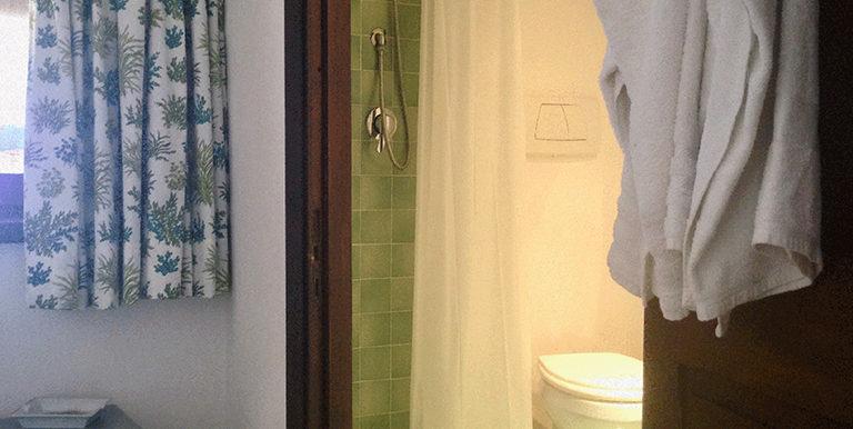 27. bathroom 4 ensuite to annex bedroom