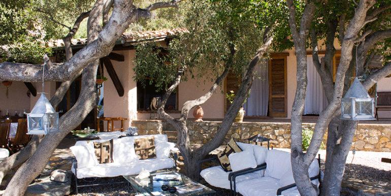 5. Garden Living Area