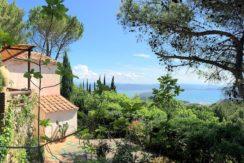 Vendita caratteristica casa di campagna con uno stupendo panorama aperto sul mare e sulla costa