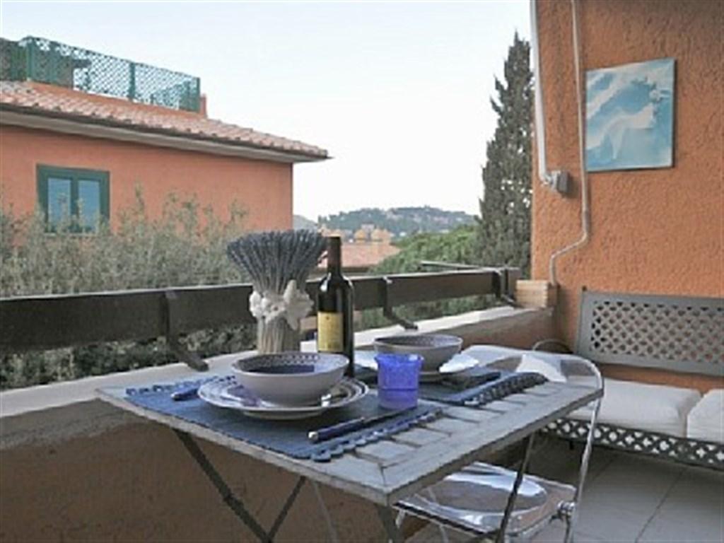 Vendita delizioso appartamento completamente e finemente ristrutturato, a pochi passi dal centro di Porto Ercole