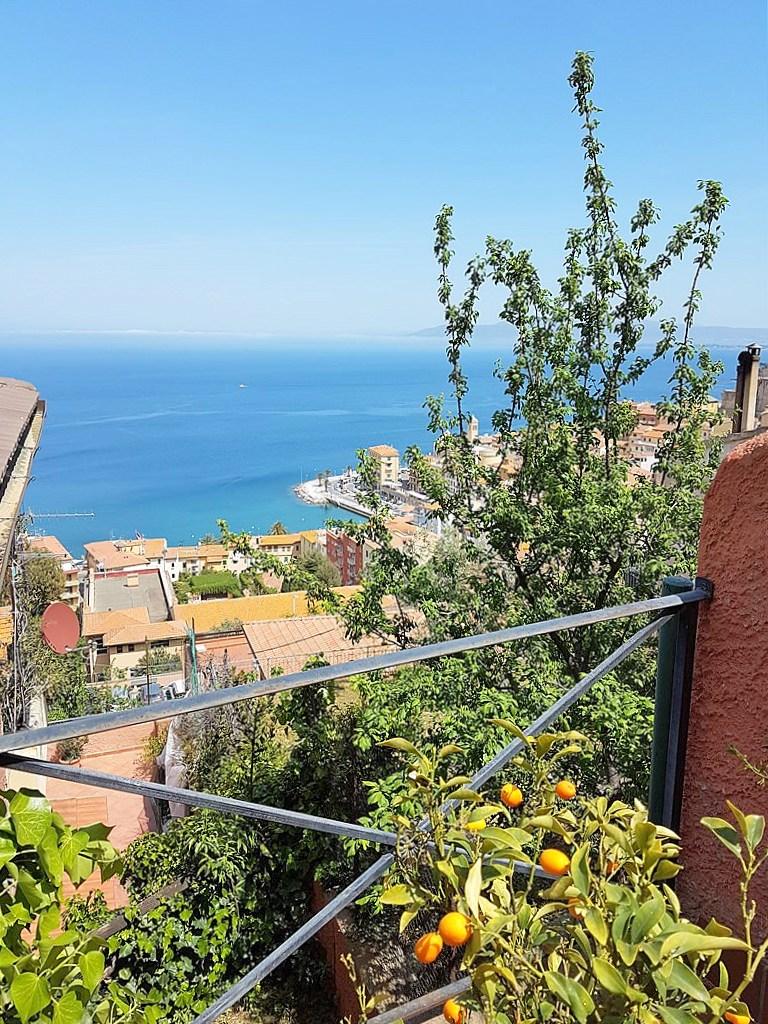 Vendita appartamento con affaccio panoramico, finemente ristrutturato, Porto Santo Stefano