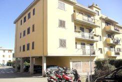 Vendita appartamento ampia metratura, balcone e posto auto. Porto Ercole