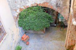 Vendita appartamento in palazzo d'epoca spagnola appena ristrutturato, centro storico, Orbetello
