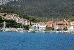 Affitto appartamento con terrazzo a pochi metri dal porto di Porto Ercole
