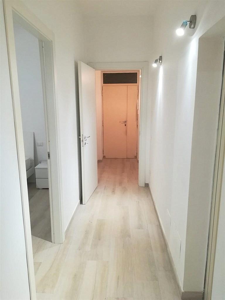 Affitto centralissimo appartamento con ingresso indipendente, finemente ristrutturato, a pochi passi dal porto, Porto Ercole.
