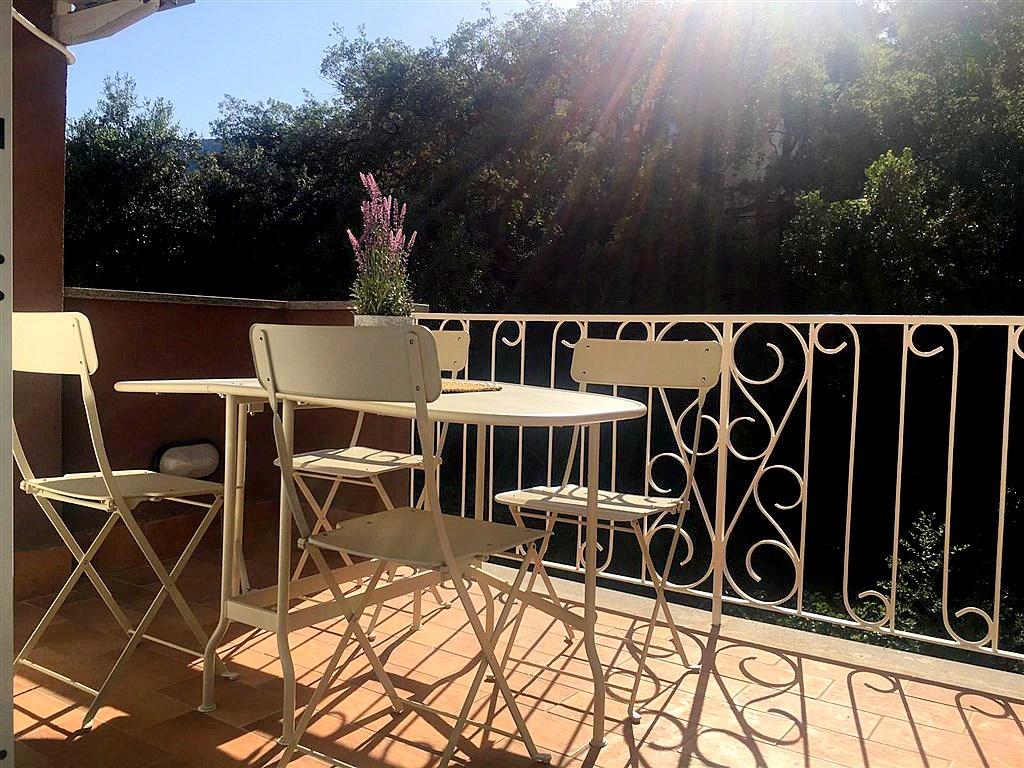 Affitto delizioso appartamento, con terrazzo, a pochi passi dal porto, Porto Ercole. 4/6 POSTI LETTO