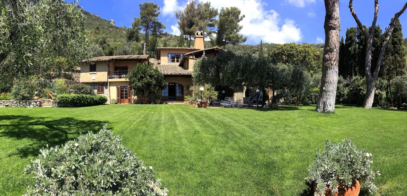 """Affitto """"Villa Acquadolce"""", esclusiva villa in posizione dominante, piscina privata e discesa a mare, Porto Ercole"""