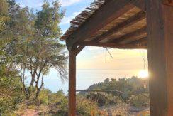 Vendita villa con stupenda vista ed accesso al mare in località Cannelle