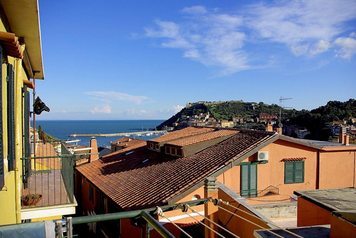 Vendita appartamento centralissimo con terrazzo vista mare, Porto Ercole