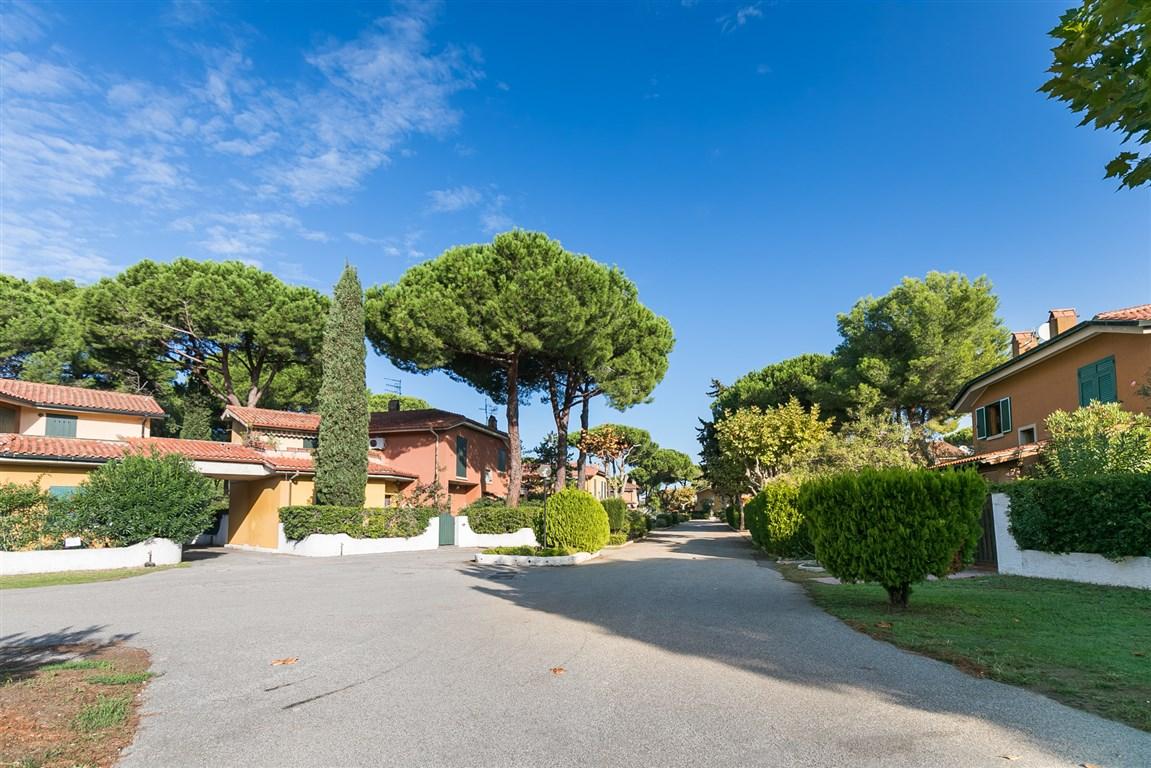 Vendita villino a pochi metri dalla spiaggia, in complesso residenziale, Giannella, Orbetello, Argentario