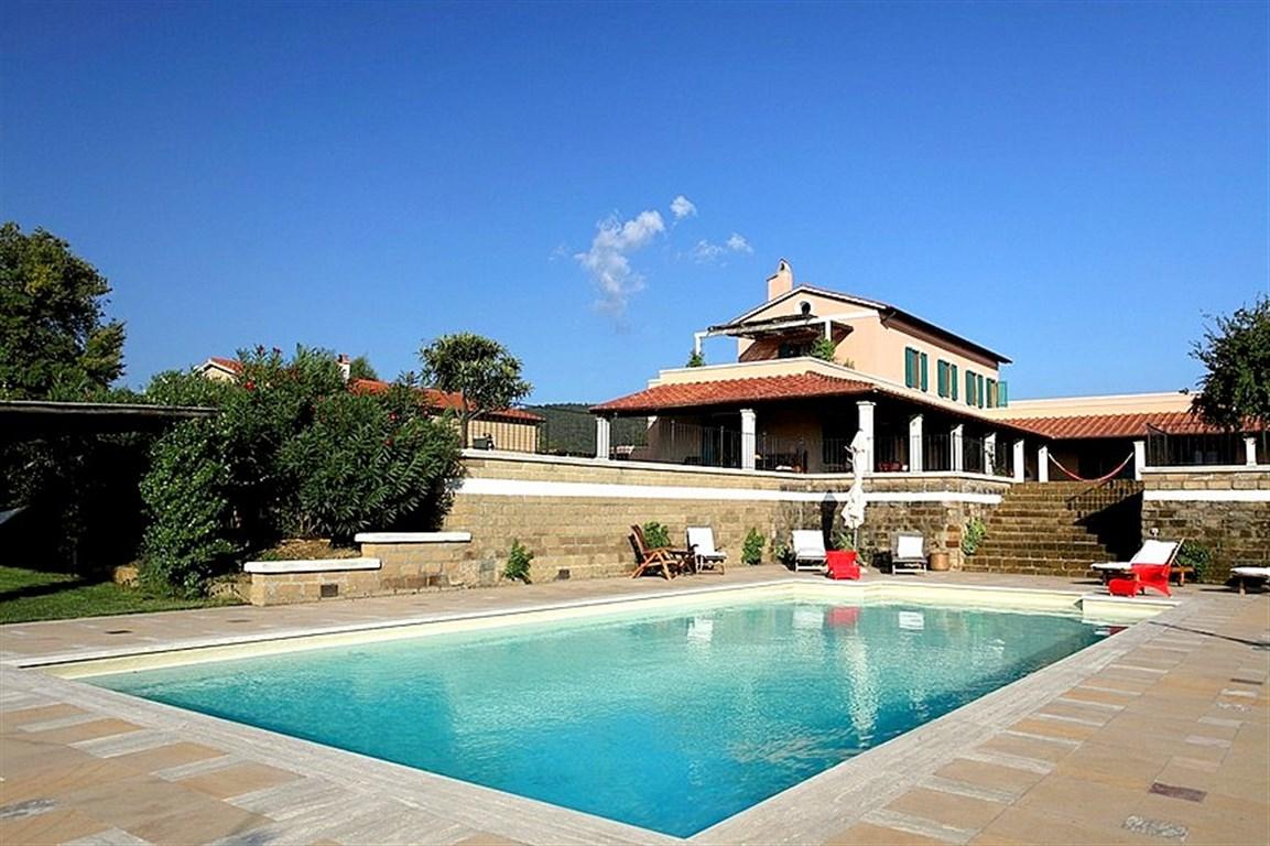 Vendita casale con dependance e annesso agricolo, piscina, Pescia Fiorentina – Capalbio – Maremma