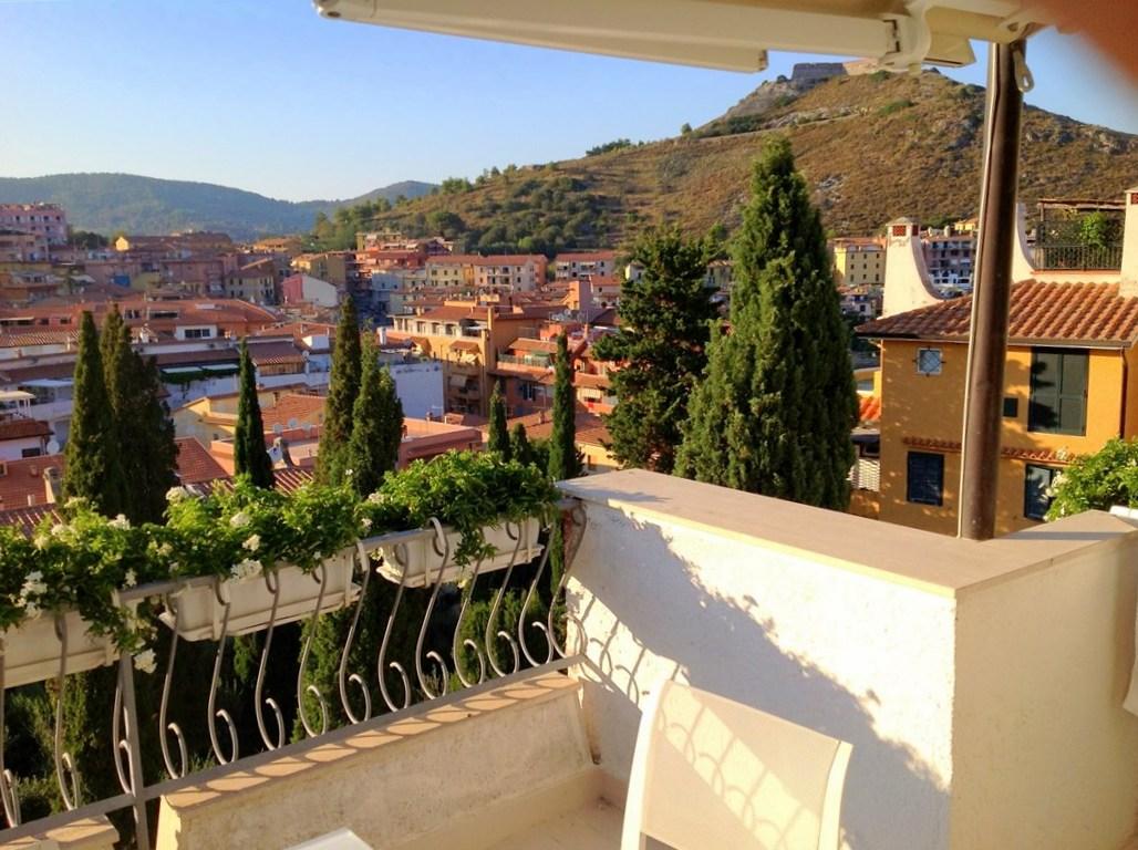 Vendita appartamento ampia metratura, con terrazzo. Porto Ercole