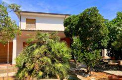 Vendita in esclusiva di villa, con accesso diretto alla spiaggia, Giannella
