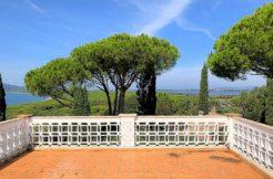 Vendita villa con terrazzo panoramico, in prossimità della spiaggia della Feniglia