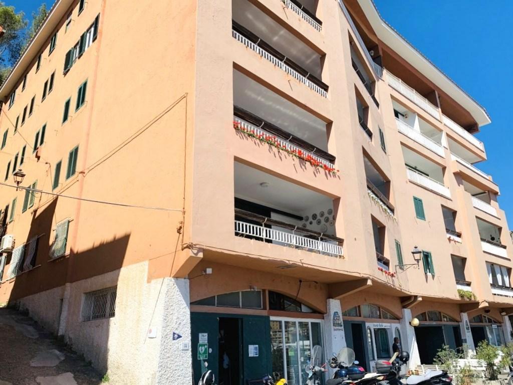 Vendita prestigioso appartamento con stupenda vista sul porto