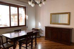 Vendita appartamento al primo piano con ascensore in zona centralissima.