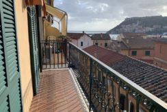 Vendita appartamento con vista mare e balcone nel borgo dei pescatori