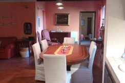 Vendita delizioso appartamento, con posto auto coperto, nel centro storico del borgo.