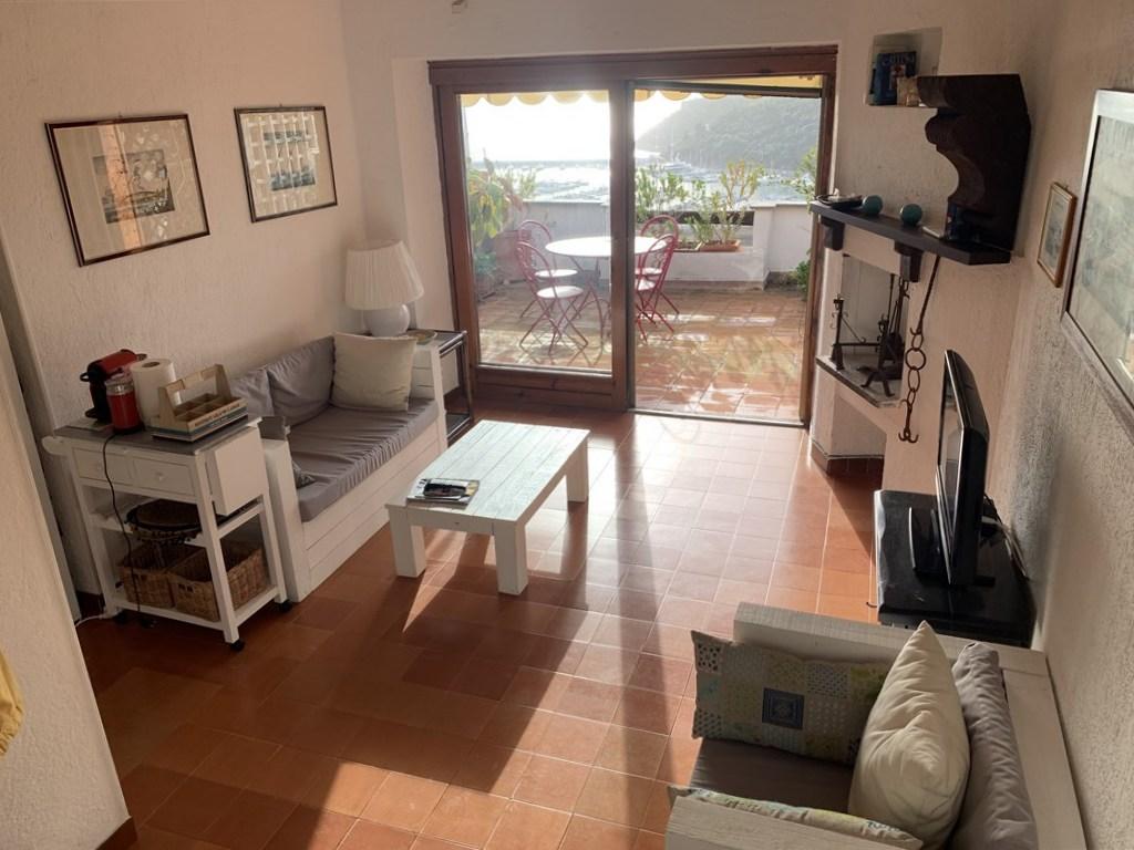 Vendita appartamento in complesso residenziale sulla collina di Poggio Pertuso.