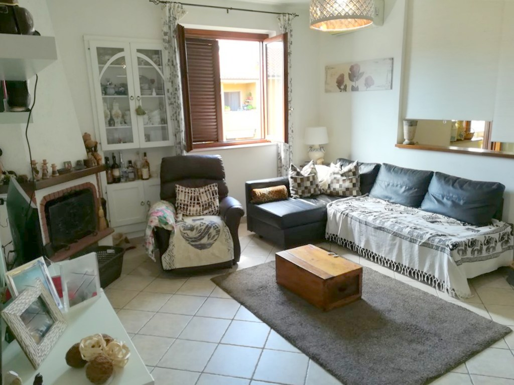 Vendita luminosissimo appartamento di ampia metratura in zona tranquilla e silenziosa