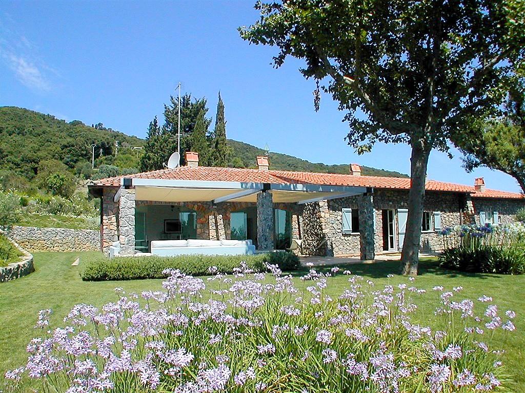 """Affitto """"Villa Pimpinnacolo"""", esclusiva e panoramica, con piscina, max tranquillità e privacy. Porto Ercole, max 14/16 ospiti"""