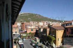 Vendita appartamento finemente ristrutturato dietro al porto, posto auto, Porto Ercole