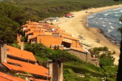 Vendita villa vista mare, discesa diretta alla spiaggia. Porto Ercole