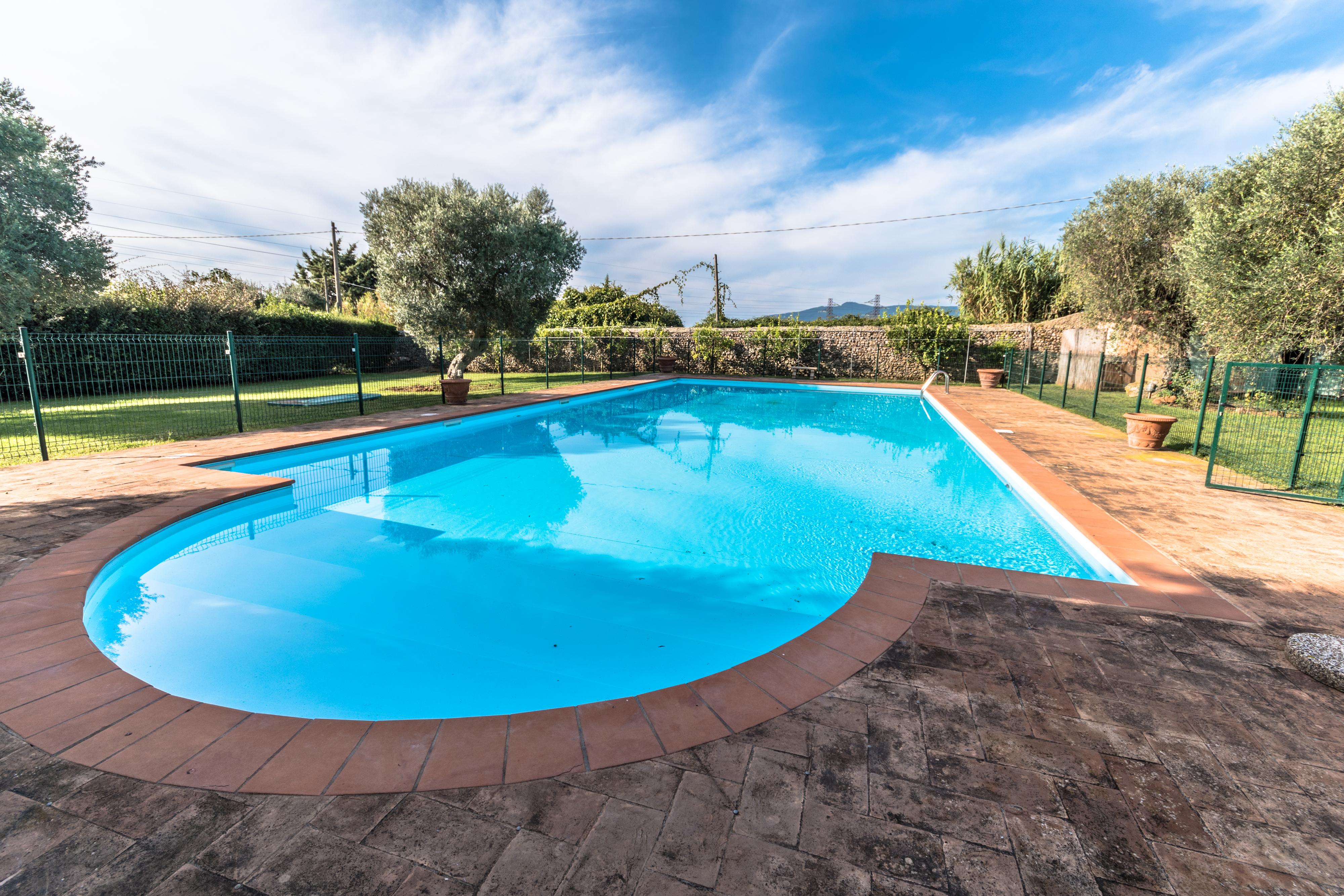 Vendita villa con piscina e parco a Orbetello, a pochi chilometri dal centro