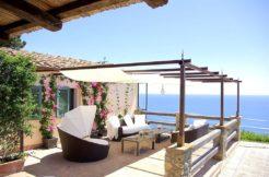 Vendita villa a mezza costa tra due delle più belle baie dell'Argentario, stupenda vista sul mare, piscina