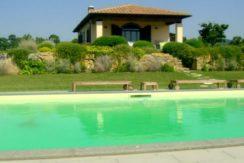 Vendita casale completamente ristrutturato con dependance Località Cacciata Grande.