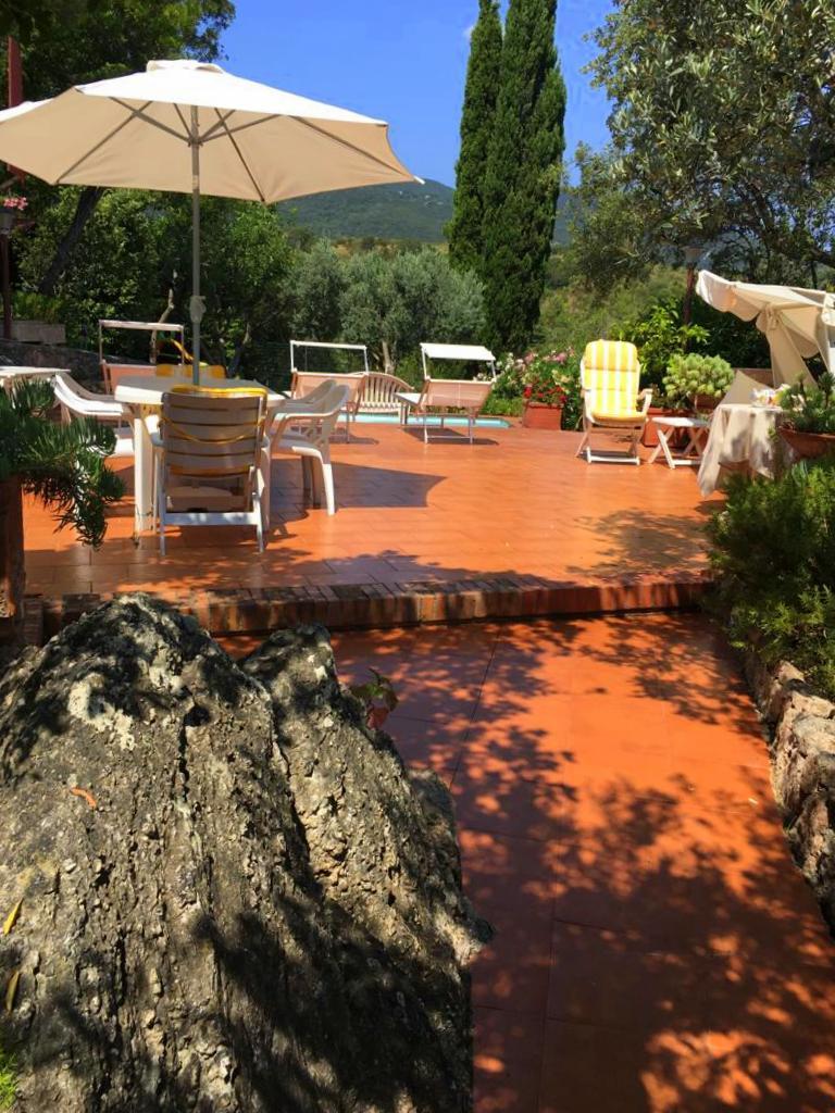 Affitto villino con piscina, stupenda vista mare e giardino a Porto Ercole