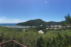 Vendita villino vista mare, ampi terrazzi, vicino alla spiaggia, due posti auto.