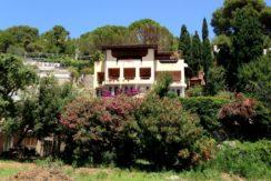 Vendita  delizioso appartamento in grande villa bifamiliare.